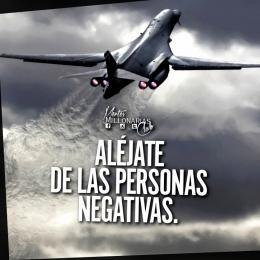 Aléjate de las personas negativas