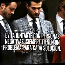 Evita juntarte con personas negativas, siempre tienen un problema para cada solución